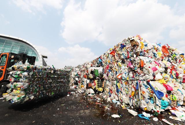 别再埋怨中国了!政府制度变来变去导致垃圾无人回收