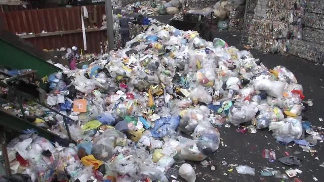 韩政府与垃圾回收企业意见差难缩小 长期垃圾成山引担忧