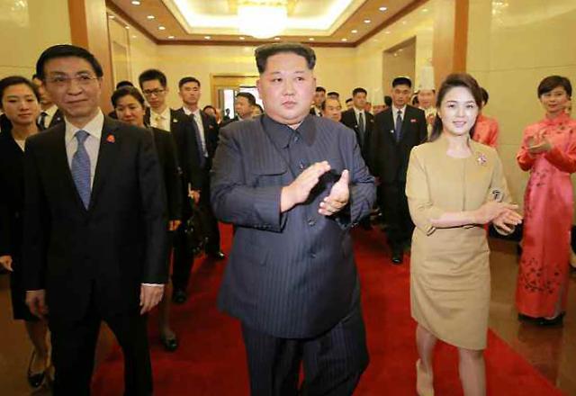 존경하는 수식어 붙은 북한 리설주…김여정, 김정은 핵심 보좌역할 두각