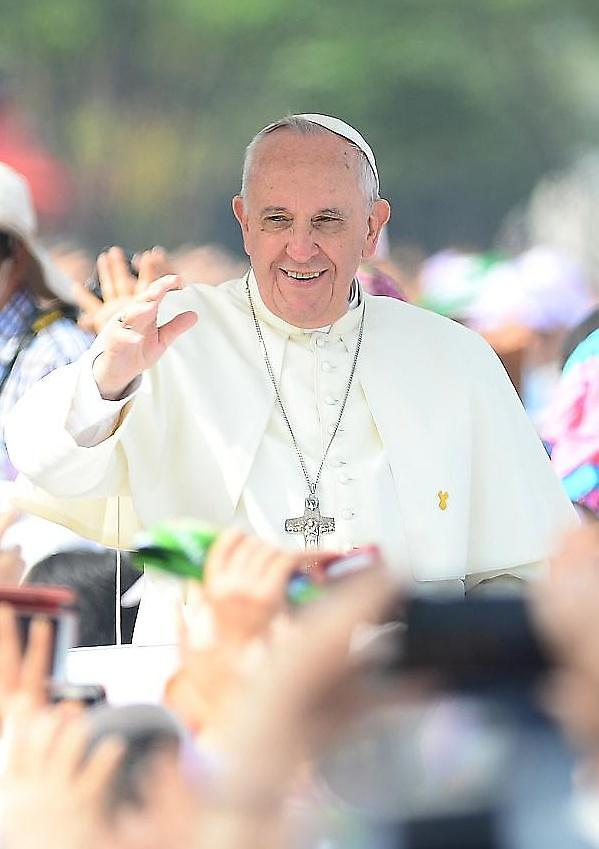 프란치스코 교황, 로마 노숙자에 아이스크림 3000개 쾌척