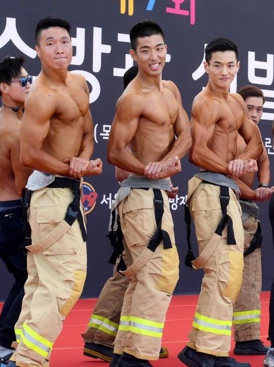 韩国消防员身材大比拼!不当模特可惜了