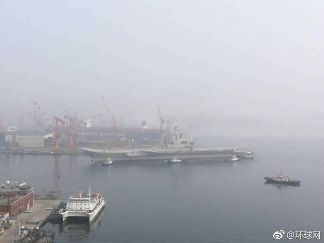 [중국포토] 첫 자국산 항모 시운항…작년 진수식 후 1년여만