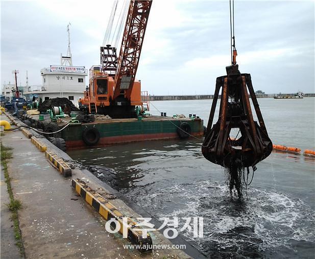 해수부, 바다의 날 맞아 전국적 해양쓰레기 수거활동 전개
