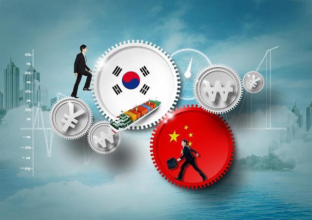 만리장성 못 넘은 삼성·LG, 中 역성장 지속…전략은 제각각