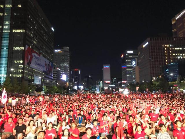 [AJU VIDEO]韩国队世界杯首秀 光华门广场成红色海洋