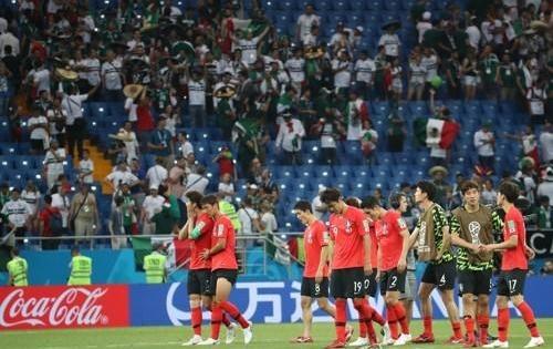 世界杯小组赛韩国1比2不敌墨西哥