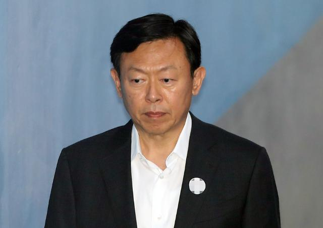 Lotte group chief thwarts brothers fresh bid to come back