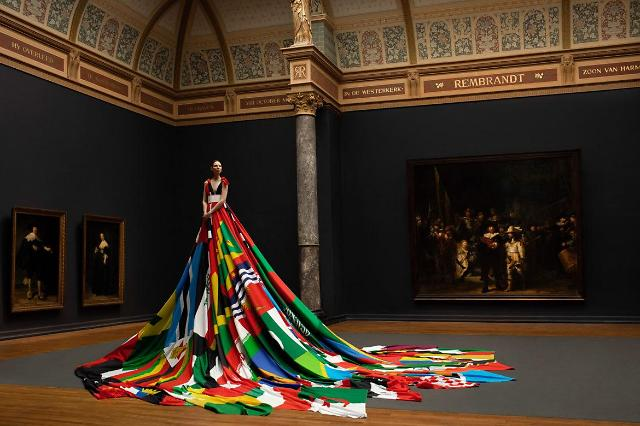 Amsterdam Rainbow Dress to be shown off at Queer festival in Seoul