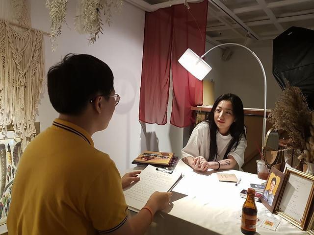 """[김호이의 사람들] 김시현 대표 """"소통을 통해 나오는 사진을 찍고 싶어요"""""""