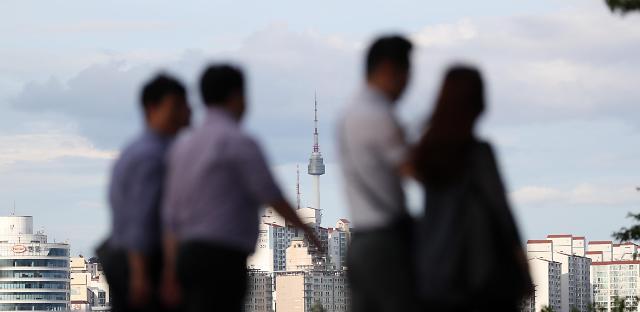 调查:韩五成上班族周末照常上班