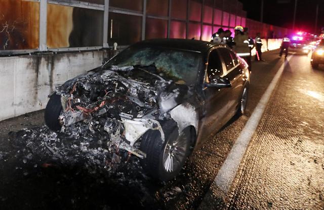 宝马5系车辆自燃事件接连发生 韩政府:将全部召回