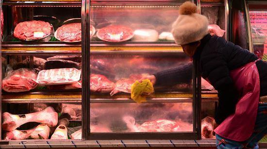 """""""没钱就去偷猪肉"""" 韩国一小伙疯狂盗窃五花肉被抓"""