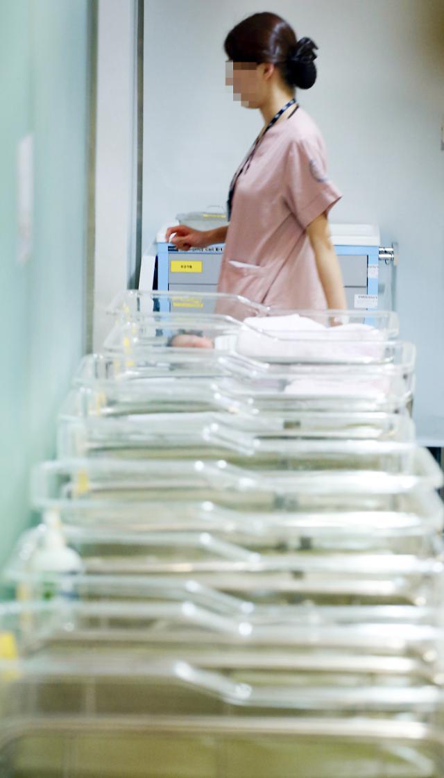 韩国第二季度总生育率仅为0.97人 2027年韩国人口将开始减少