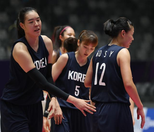 [아시안게임] 여자농구 단일팀, '박지수 효과'로 대만에 설욕…중국과 결승 격돌
