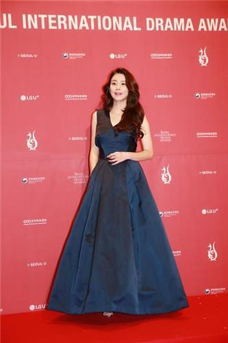 2018首尔电视节落幕 李宝英《母亲》获两项大奖