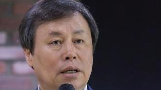 """도종환 장관 """"예술인 권리보장법 제정 적극 지원…하반기 중 발의"""""""