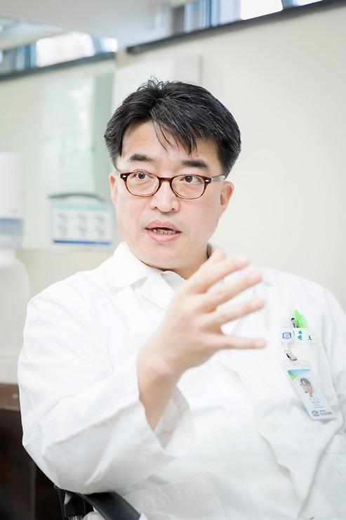 대한민국 암 발생 1위인 위암, 짜고 맵게 먹는 한국인에 취약해