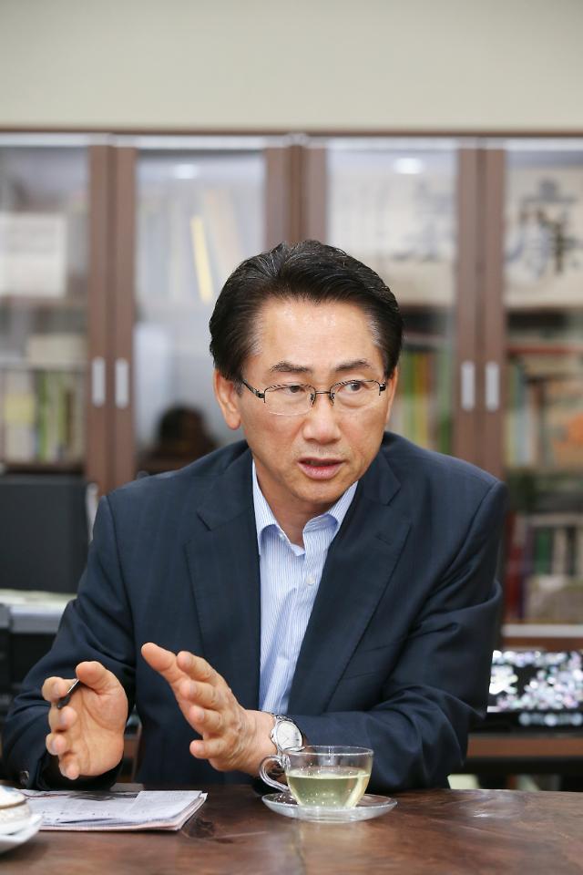 """[아주초대석] 김영종 구청장 """"종로, 사람·자연·전통 어우러진 도시 만들 것"""""""