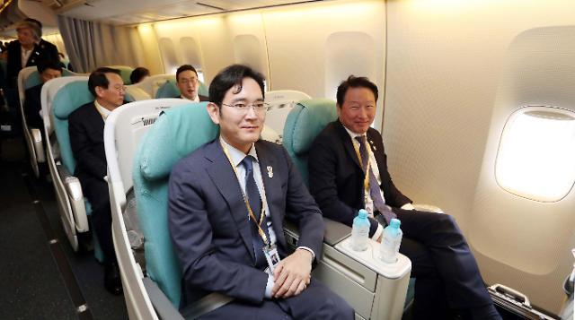 韩大企业会长与朝鲜副总理李龙男会谈