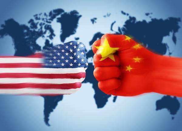 """中 환구시보 """"2000억 달러 관세 폭탄 위협…중국 못 무너뜨려"""""""