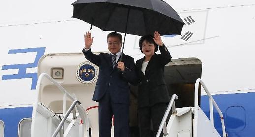 뉴욕 도착한 文 '비핵화 대화' 중재 착수
