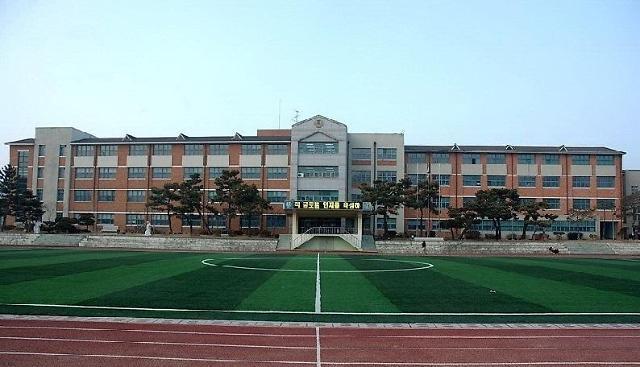 首尔一小学新生全部为外国人  中国人占多数