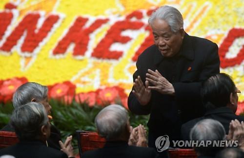 """[Who?] """"베트남 개혁·개방 주역"""" 도 므어이 전 공산당 서기장"""