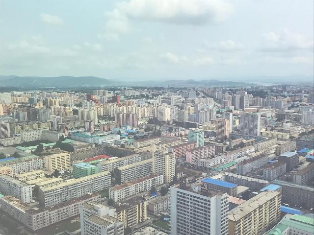 平壤建筑照片在首尔展示