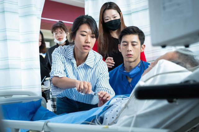흉부외과 고수의 리얼 수술장면 어떻게 탄생했을까? ···어벤져스급 자문단 덕분에 가능