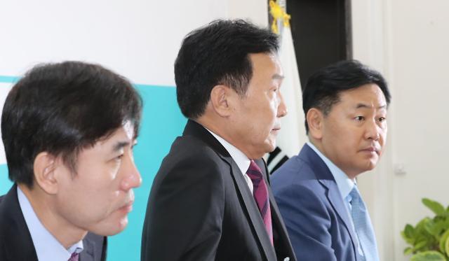 """손학규 """"文, 장하성·김동연 경질해 일자리 철학 변화 보여줘야"""""""