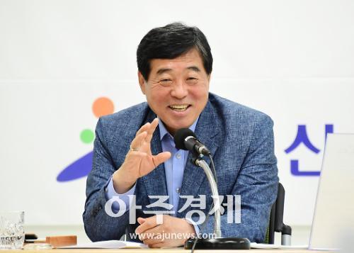 """윤화섭 시장 """"100대 공약 확정·발표 이뤄내기 위해 최선 다하겠다"""""""