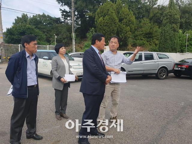 """윤화섭 시장 """"붉은 불개미 확산 차단 만전 기하라"""""""