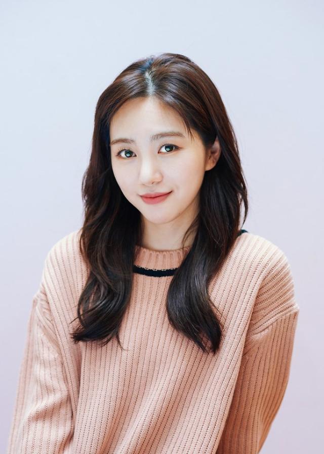 AOA 민아, 사전제작 드라마 로스타임 라이프 주연 발탁…마이틴 송유빈과 연상연하 커플 호흡