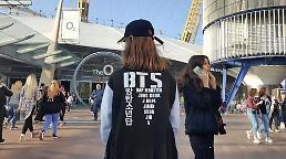.BTS伦敦O2开唱 人气爆棚堪比甲壳虫.