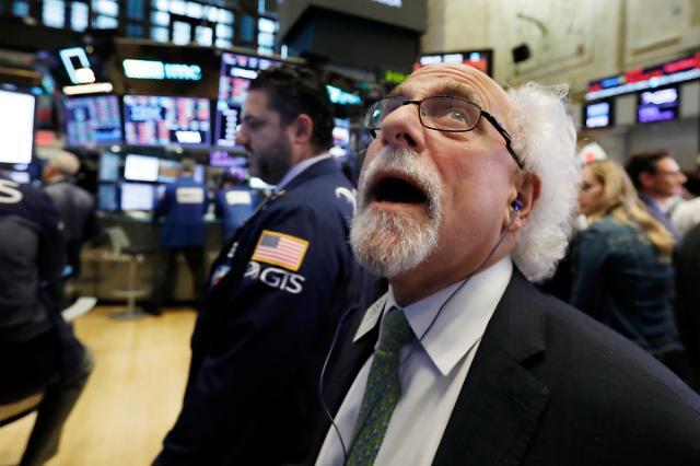 """중국·미국 증시 급락, 환구시보 """"美 무역전쟁, 자만하지 마라"""""""