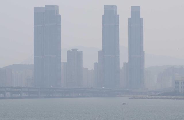 韩国团体因雾霾起诉韩中政府索赔案进行首场辩论