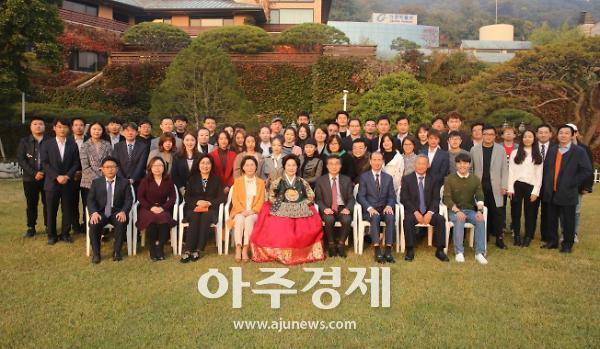 가천대 이길여 총장, 석·박사과정 중국인 유학생 자택 초청