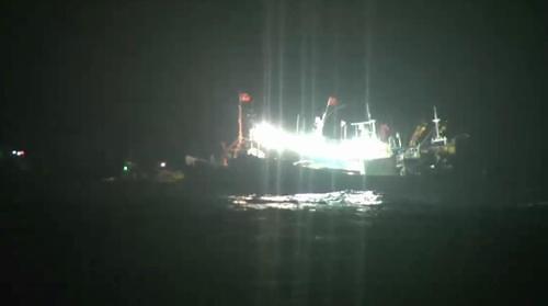 韩中渔船在济州海域相撞 一人受轻伤
