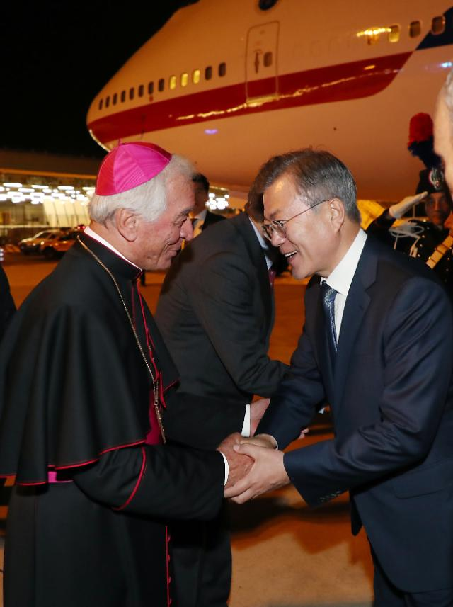 문 대통령, 이탈리아 도착…17일 교황청 한반도평화미사 참석