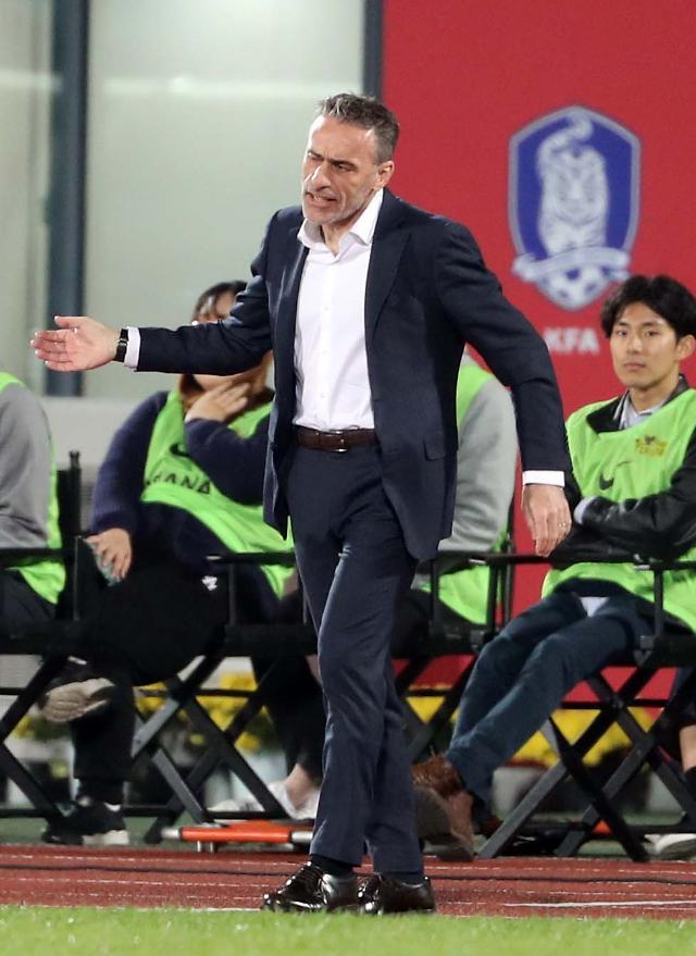 S. Korea half successful with new lineup in friendly vs. Panama: Yonhap