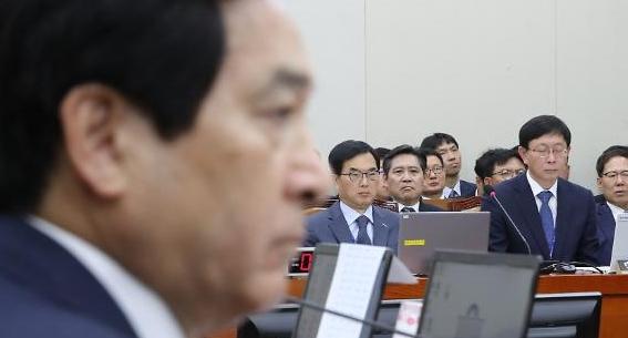 [단독] 심재철 논란 핵심 재정정보원, 채용비리도 심각