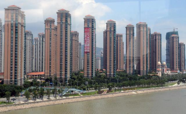4년래 최대 위기 맞은 중국 부동산업계....자금줄 막히고 부채 늘고