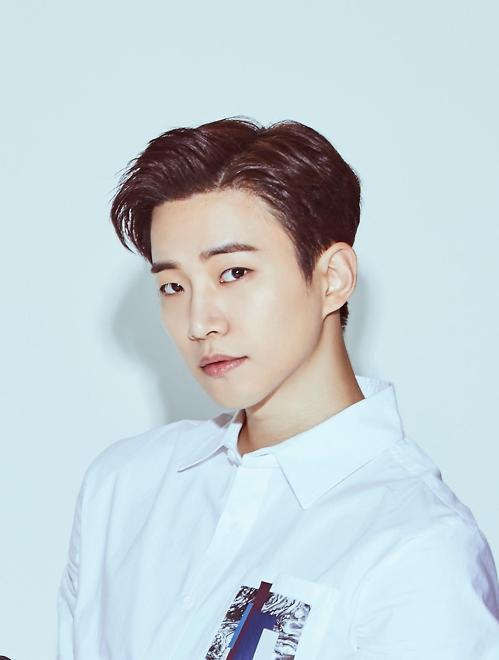 2PM俊昊任韩流博览会新加坡站宣传大使