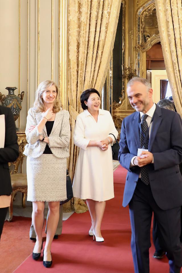 韩第一夫人参观意大利总统府