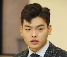 [AJU★현장] 더 이스트라이트 이석철 동생 이승현과 고소, 다른 멤버들도 동참한다면 같이 할 것