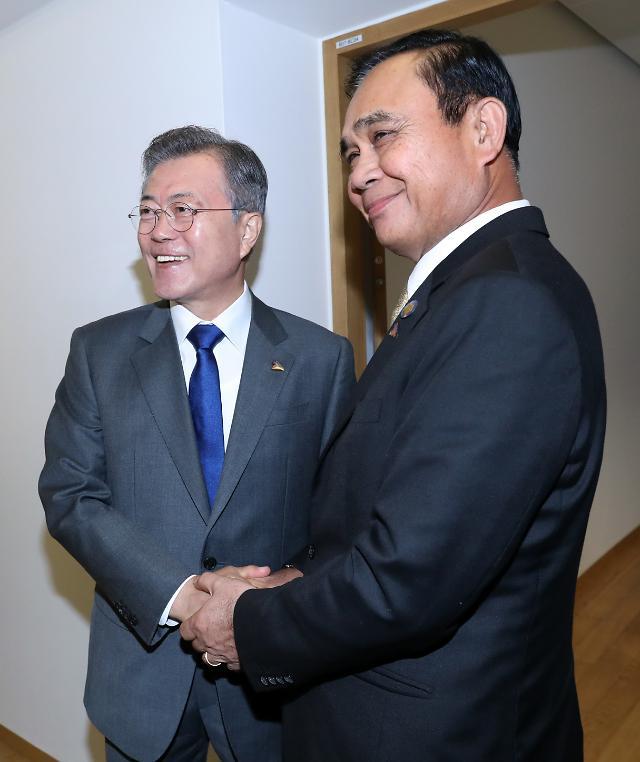 문 대통령, 쁘라윳 태국 총리와 정상회담…신남방정책·한반도평화 지지 확인