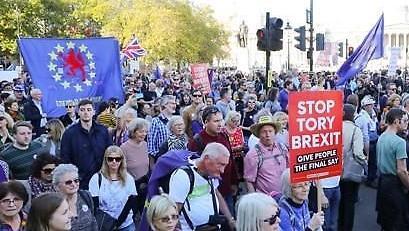 브렉시트 카오스 런던서 수십만명 시위 경제 악영향