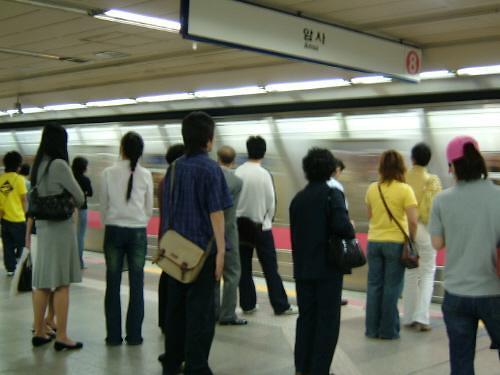 首尔地铁2号线经常发生犯罪 女生乘4号线要格外小心