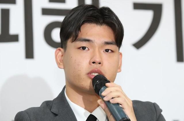 더 이스트라이트 이석철·이승현, 26일 고소인 조사 위해 경찰 출석