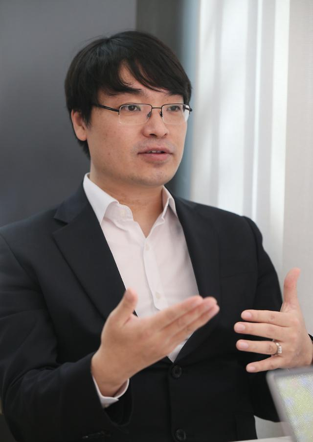 """[氣-UP!인터뷰] ⑦이희원 에코백스 지사장 """"신개념 로봇청소기로 국내 톱3 되겠다"""""""